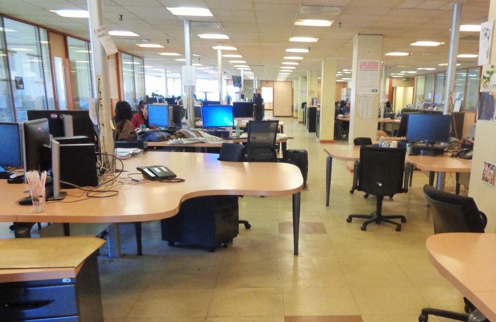 Une partie de la salle de rédaction